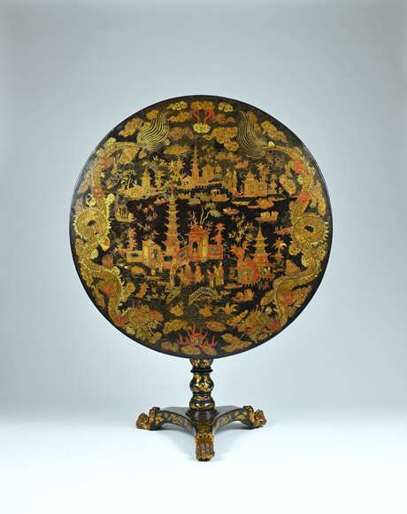 A Fine Chinese Export Lacquer Circular Tilt Top Table